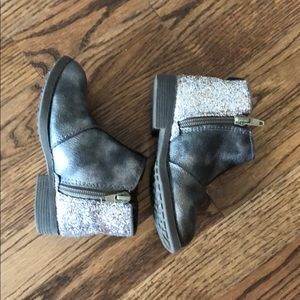 Osh Kosh girls boots size 8 toddler